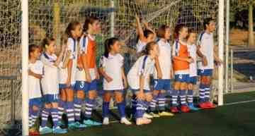 GALERÍA: El nuevo equipo femenino del FB Sagunto creado gracias a los Clinics Valenta FFCV