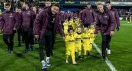 El Villarreal presentó ante la hinchada del Madrigal a toda su escuela de fútbol base 2019-2020