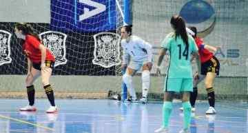La internacional ibense Raquel Gadea debutó en 'casa' con victoria ante Portugal (4-2)