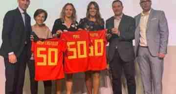 Homenaje de la RFEF a Ruth García, Maider Castillo y a todas las pioneras el futfem español