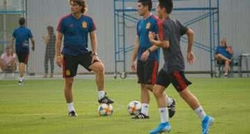 Julen Guerrero se lleva a tres representantes valencianos con España Sub-16 a la AGS Cup Albir