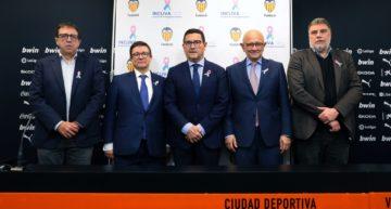 El Valencia CF 'ficha' al Instituto de Investigación Sanitaria INCLIVA para su equipo