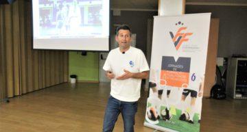 Igor Oca repasó su amplia experiencia como entrenador en su charla FFCV en Ribarroja