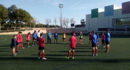 GALERÍA: Minuto de silencio del E1 Valencia de Paiporta a su míster fallecido en los entrenamientos de este jueves