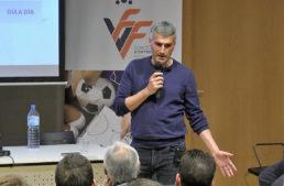 VIDEO: 80 asistentes disfrutaron de la 'masterclass' de Vicente Parras en Crevillent