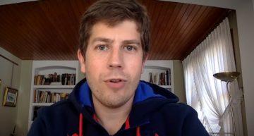VIDEO: Víctor, el jugador de Levante UD PC que ayuda contra el Covid-19 como celador