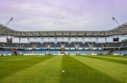 La 'nueva realidad' en el fútbol: salarios más bajos, mayor demanda de sanitarios