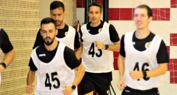 Los árbitros de Primera y Segunda de fútbol sala realizan las pruebas físicas en Alfafar