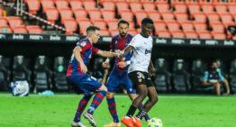 Yunus Musah, la 'perla' que Longoria robó al Arsenal, ya causa sensación a sus 17 años en el Valencia CF