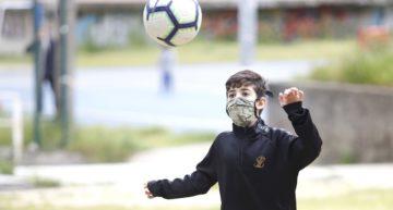 Confirmado por la Federación Madrileña: habrá cartulinas amarillas y rojas para jugadores que usen mal la mascarilla durante los partidos