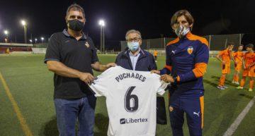 GALERÍA: Homenaje a Antonio Puchades en la visita del Valencia CF Juvenil 'A' a Sueca
