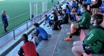 La Selecció Valenciana sub14 recibe una charla formativa sobre fútbol y dopaje