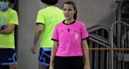 Un trio arbitral femenino dirigirá un partido de futsal en la Comunitat por primera vez en la historia