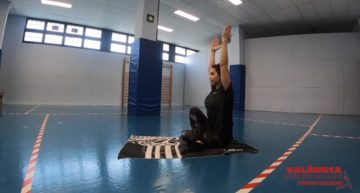 #ValènciaEntrenaEnCasa: yoga, estiramientos y torsiones de columna (jueves 4 de febrero)