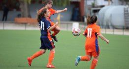 Las chicas de la Sub-17 FFCV retoman el contacto con el césped en Picassent
