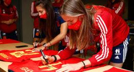 La RFEF subasta las camisetas de la Selección española femenina a beneficio de la Fundación Juegaterapia