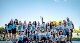 La sección femenina del E1 Valencia festeja el ascenso a Primera 'a la primera' de su Amateur