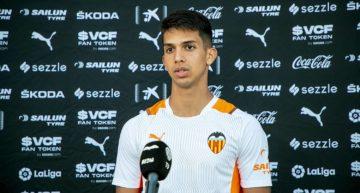 Alessandro Burlamaqui debuta y habla ya con el primer equipo del Valencia CF