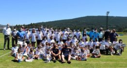El Valencia CF triunfa en su primer campus veraniego en Galicia