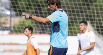 Angulo valora las primeras jornadas de su Valencia Mestalla antes del parón por descanso