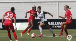 El Valencia sufre otra remontada en el Puchades ante el Sevilla (1-2)